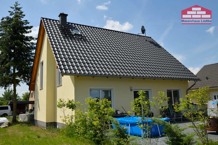Massivhaus mit Solar-Photovoltaik