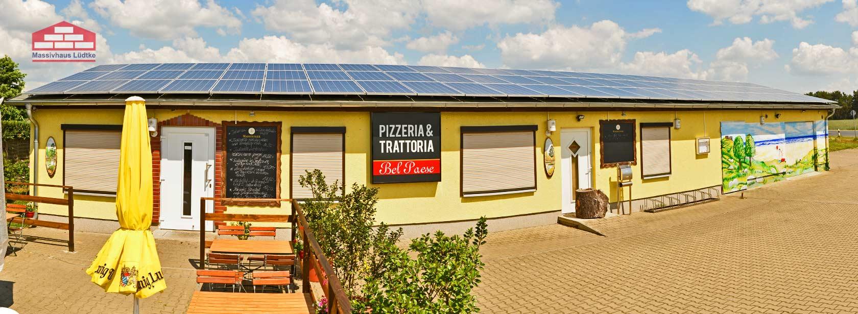 Massivhaus mit Solar-Photovoltaik Anlage